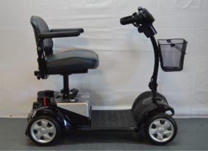 scooter elettrico per anziani e disabili modello Kymco mini LX disponibile anche usato garantito presso Lovato bike shop & rental